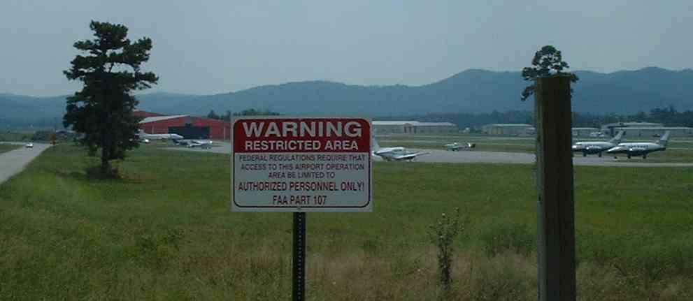 Mena airport 2002