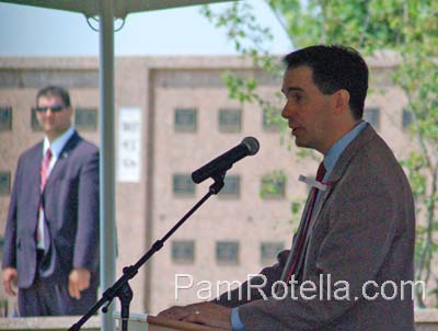 Walker speaking at Memorial Day services 2012, photo by Pam Rotella