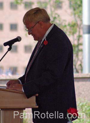 Van Wanggaard speaks at Memorial Day services 2012, photo by Pam Rotella