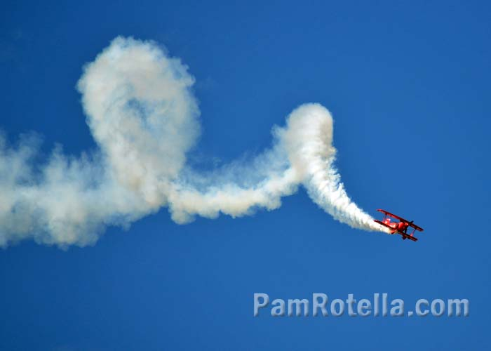 Sean D. Tucker in the Oracle bi-plane at EAA Air Venture 2013, photo by Pam Rotella