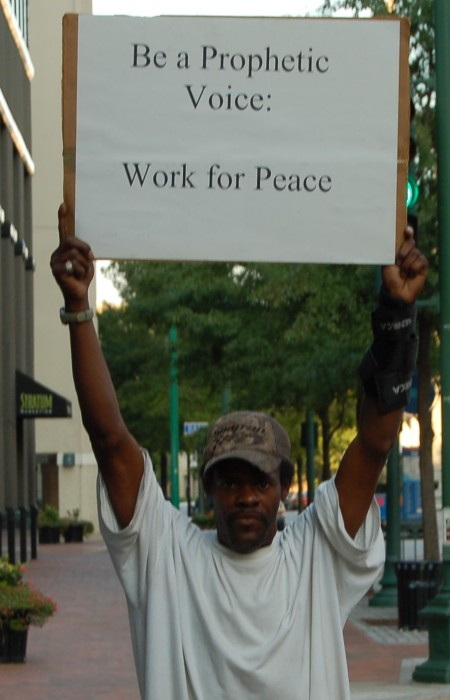 Protestor at Veterans for Allen' event, photo by Pam Rotella