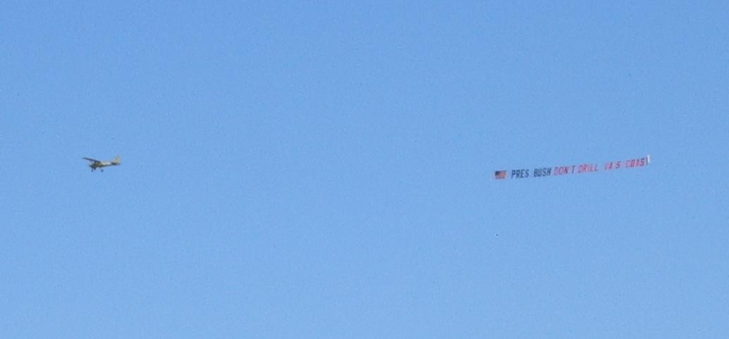 Airplane pulls banner over Virginia Beach 19 May 2006, 'PRES BUSH DON'T DRILL VA'S COAST'